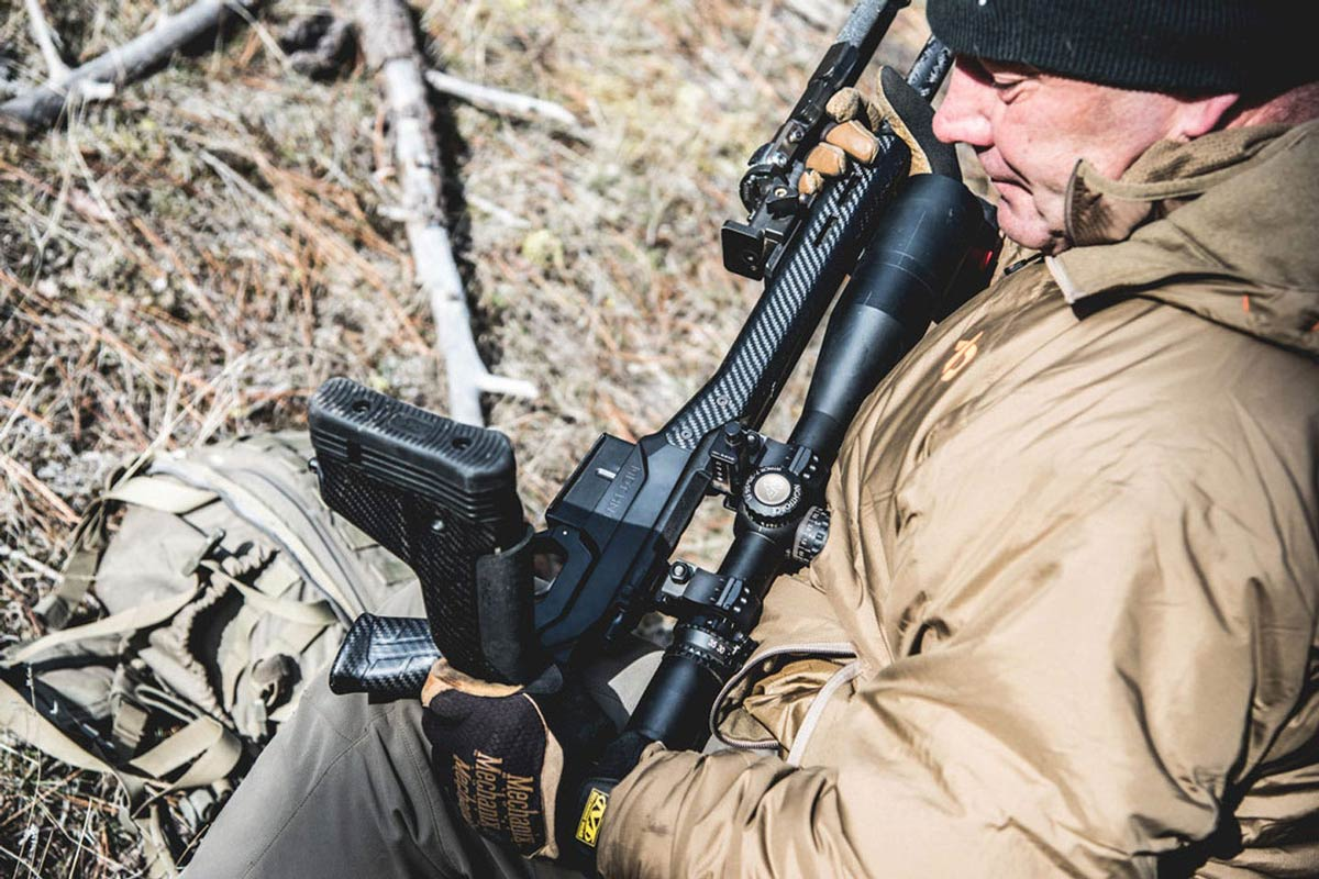 THE ADVANTAGES OF A FOLDING STOCK